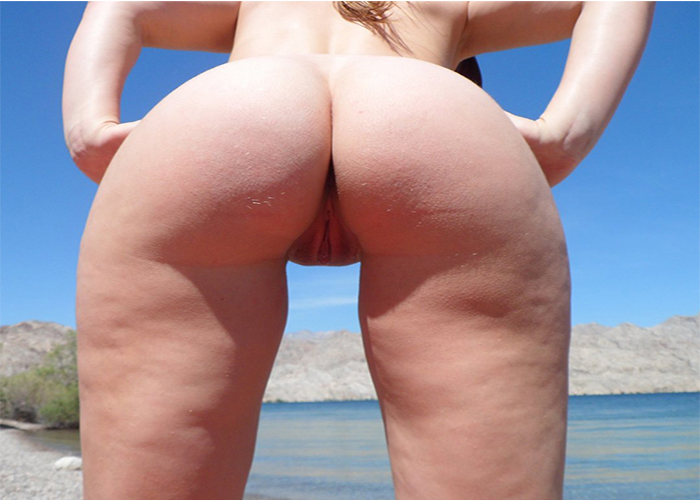 gostosa-na-praia-de-nudismo-4