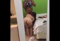 Novinha carioca caiu na net pagando boquete e fodendo