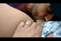 Vídeo porno grátis chupando buceta da novinha
